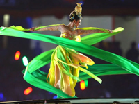 Enjoy the opening ceremony of the Beijing Olympics